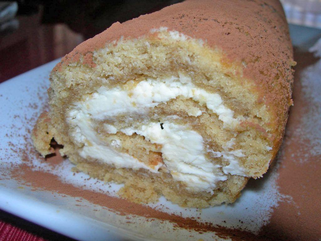 Rollo o Brazo de gitano de tiramisu www.cocinandoentreolivos.com (15)