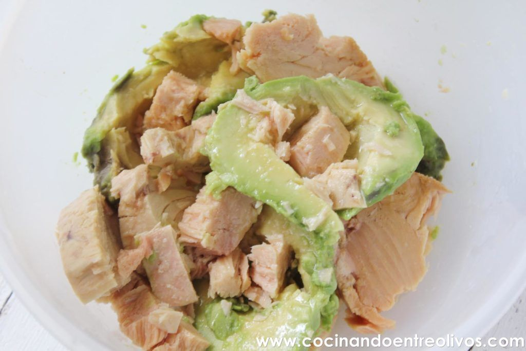 Pate facil de bonito y aguacate www.cocinandoentreolivos.com (5)