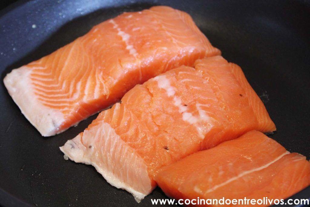 Salmon en salsa de alcaparras www.cocinandoentreolivos.com (4)