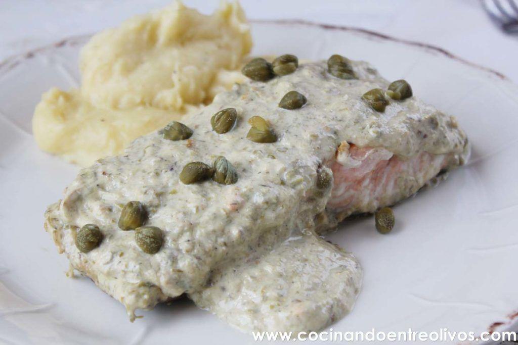 Salmon en salsa de alcaparras www.cocinandoentreolivos.com