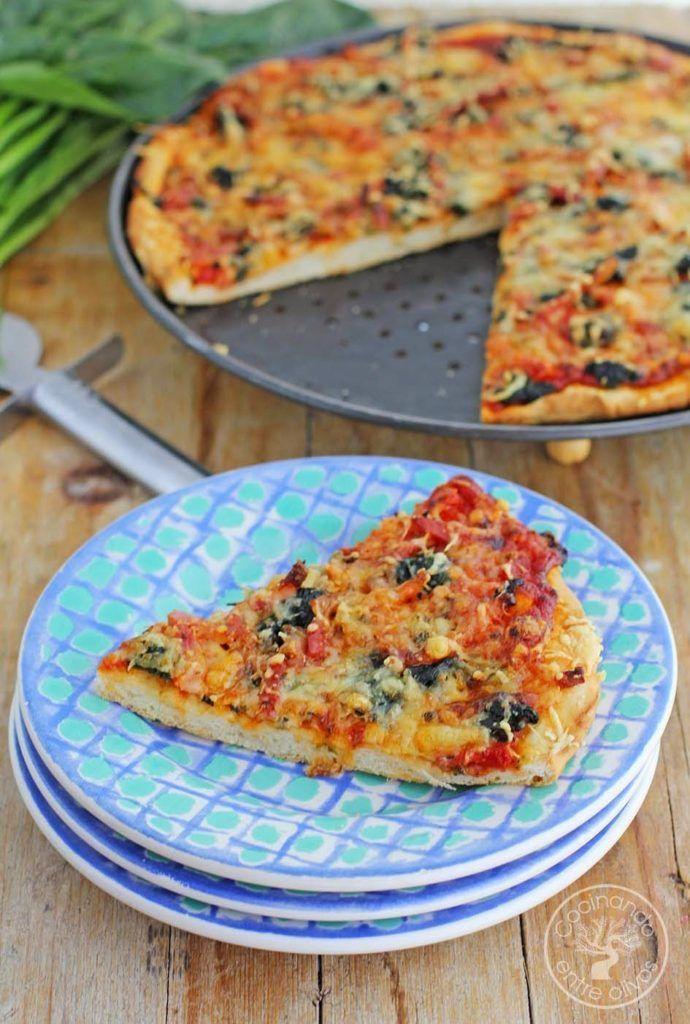 Pizza de espinacas bacon y queso gorgonzola receta paso for Cocinando entre olivos