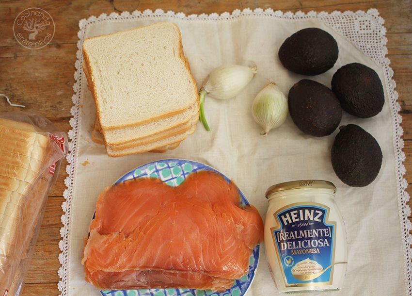 Cómo hacer Pastel de salmón ahumado, aguacate y pan de molde Ingredientes