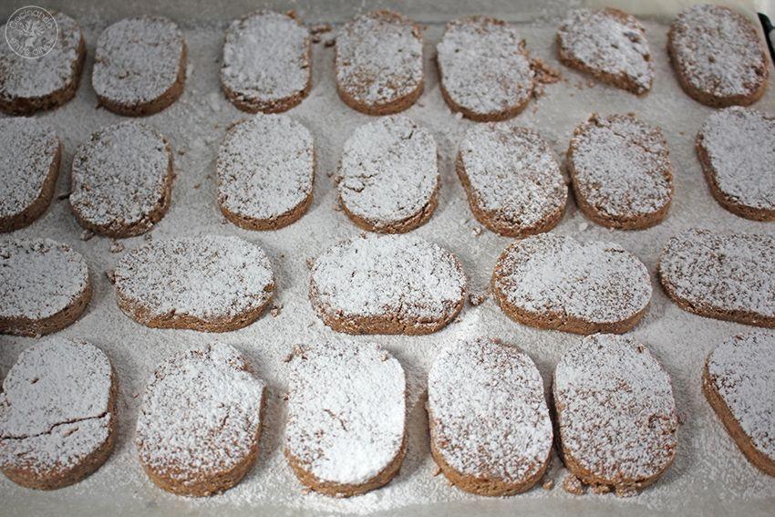 Polvorones mantecados sin gluten de almendra.www.cocinandoentreolivos.com (13)