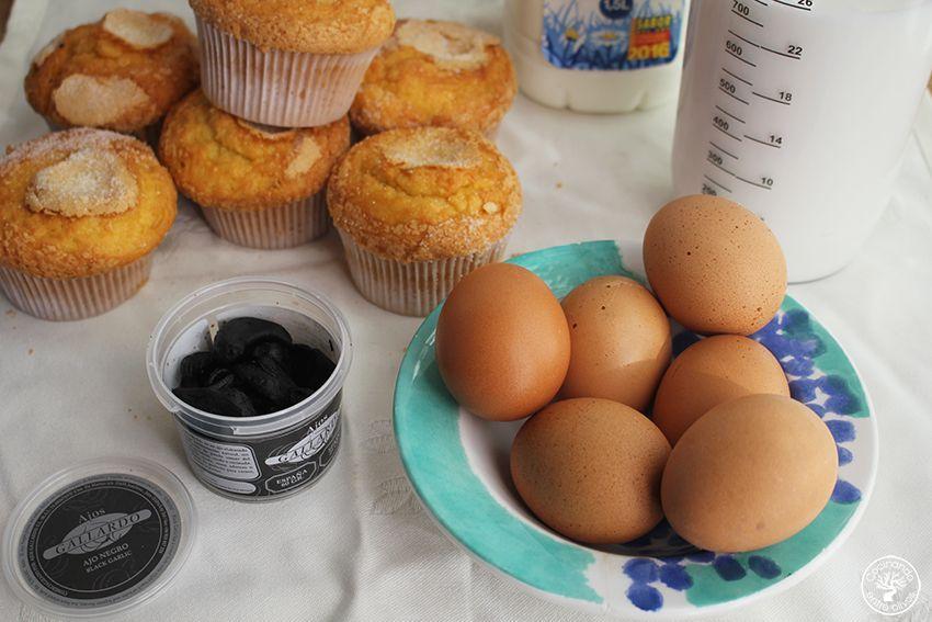 pudin-de-magdalenas-y-ajo-negro-www-cocinandoentreolivos-com