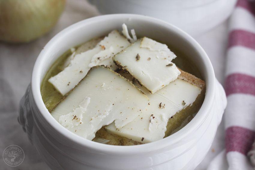 Sopa de cebolla Thermomix www.cocinandoentreolivos.com (12)