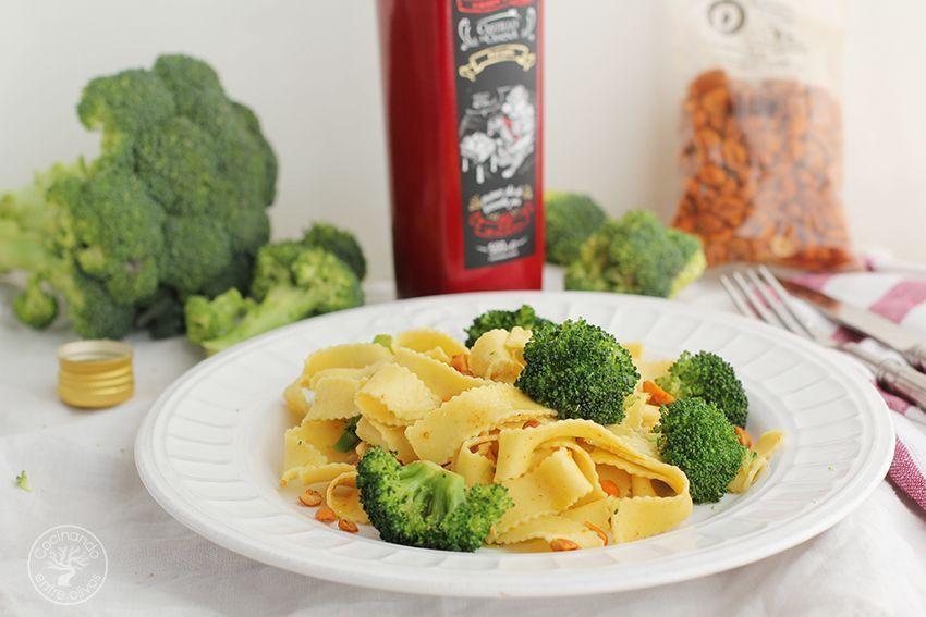Tallarines con brocoli, cacahuetes al chipotle y aceite de oliva virgen extra (1)