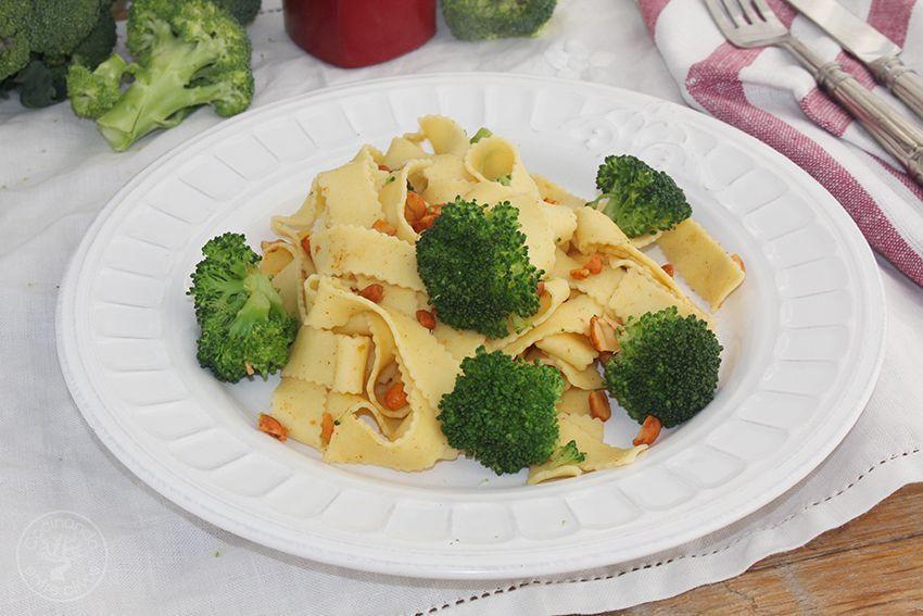 Tallarines con brocoli, cacahuetes al chipotle y aceite de oliva virgen extra (11)