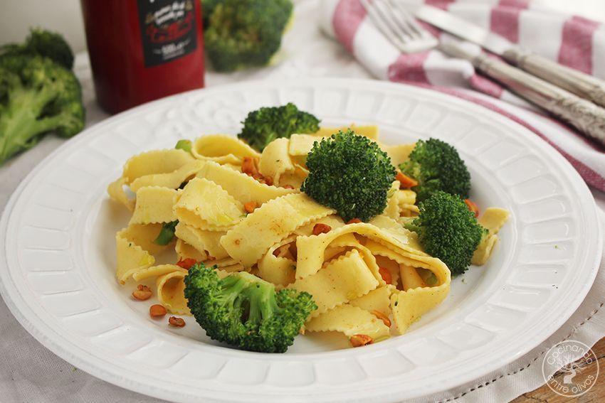 Tallarines con brocoli, cacahuetes al chipotle y aceite de oliva virgen extra (13)