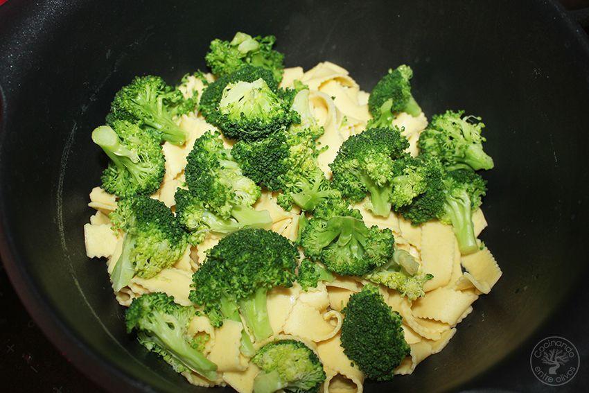 Tallarines con brocoli, cacahuetes al chipotle y aceite de oliva virgen extra (8)