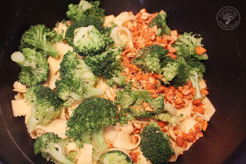 Tallarines con brocoli, cacahuetes al chipotle y aceite de oliva virgen extra (9)