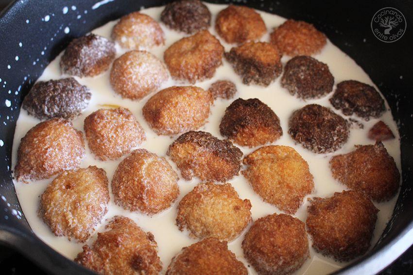 Panecillos en leche Semana Santa www.cocinandoentreolivos.com (1)