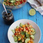 Ensalada de garbanzos con salsa de tomates secos y aove www.cocinandoentreolivos.com (16)