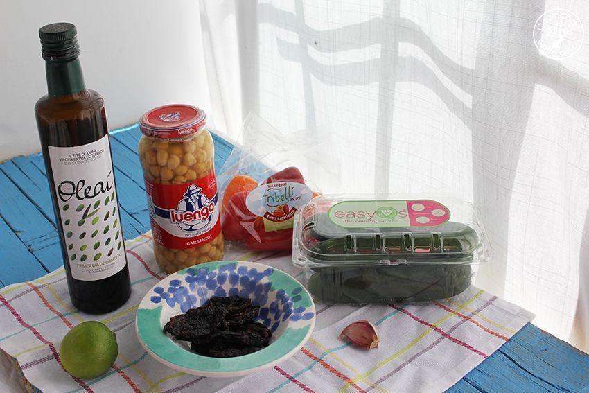 Ensalada de garbanzos con salsa de tomates secos y aove www.cocinandoentreolivos.com (19)