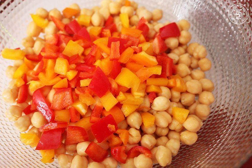 Ensalada de garbanzos con salsa de tomates secos y aove www.cocinandoentreolivos.com (23)