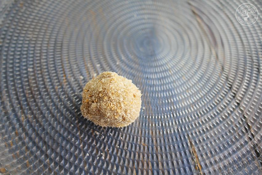 Albóndigas de berenjenas y queso receta www.cocinandoentreolivos.com (21)