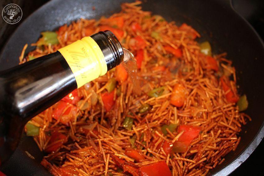 Fideos con caballa receta www.cocinandoentreolivos.com (15)