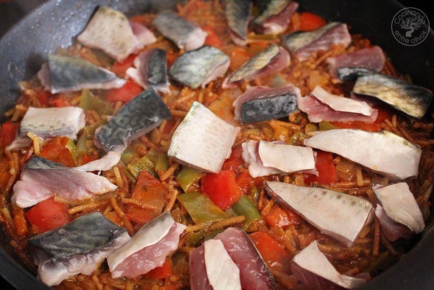 Fideos con caballa receta www.cocinandoentreolivos.com (16)