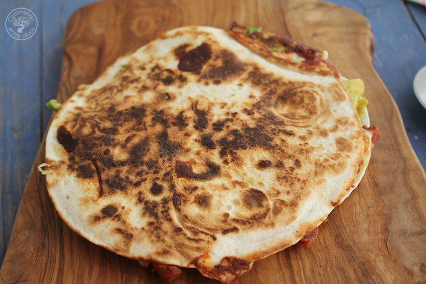 Quesadillas de chorizo criollo y agucate www.cocinandoentreolivos.com (13)