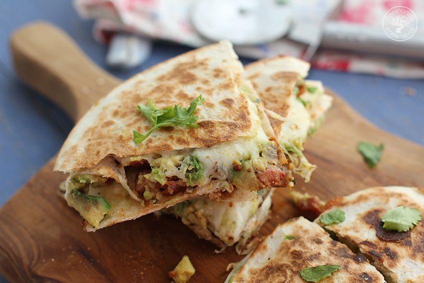 Quesadillas de chorizo criollo y agucate www.cocinandoentreolivos.com (18)
