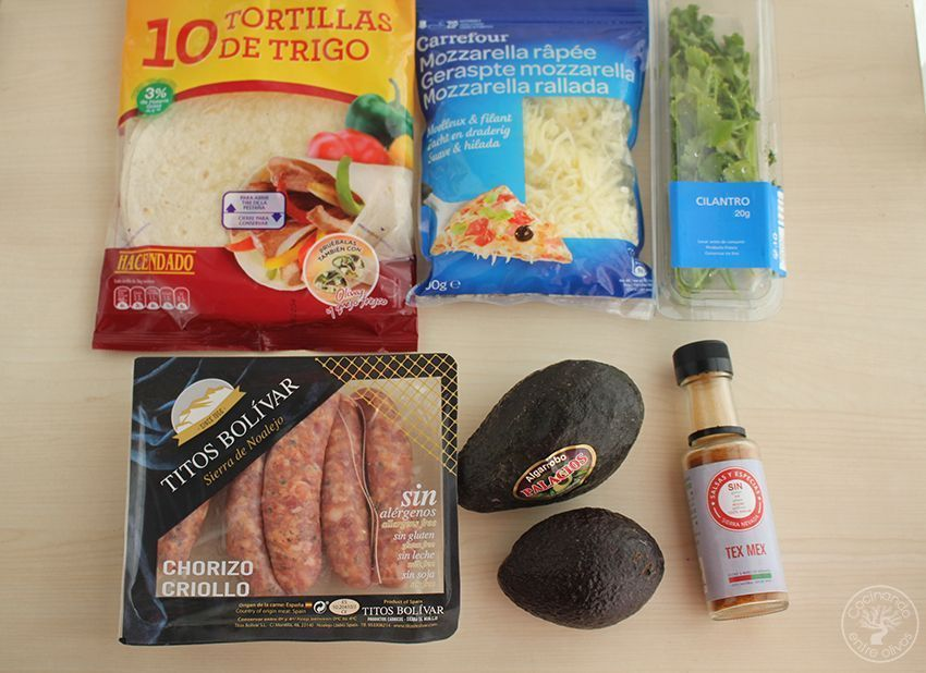 Quesadillas de chorizo criollo y agucate www.cocinandoentreolivos.com (19)