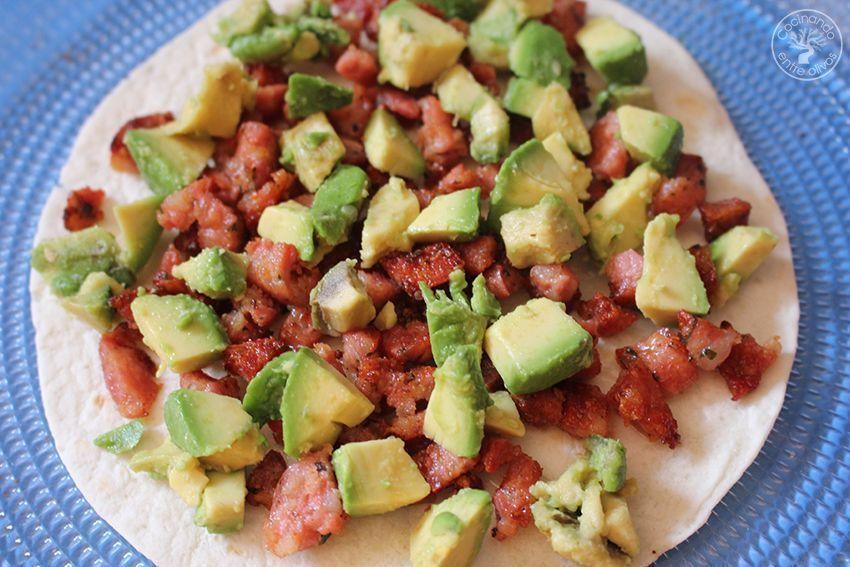 Quesadillas de chorizo criollo y agucate www.cocinandoentreolivos.com (8)