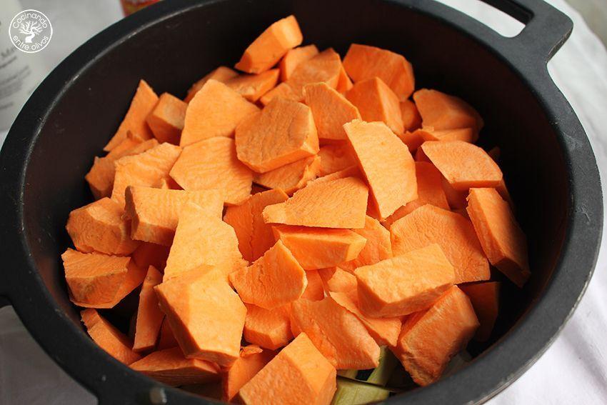 Crema de boniato, calabacin, granada y aove www.cocinandoentreolivos.com (6)