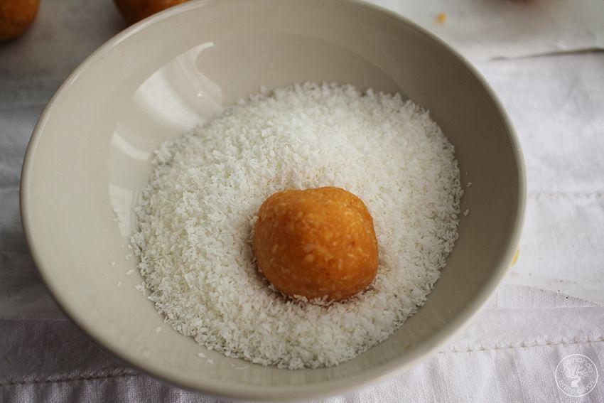 Panellets de coco, almendra y boniato www.cocinandoentreolivos.com (15)