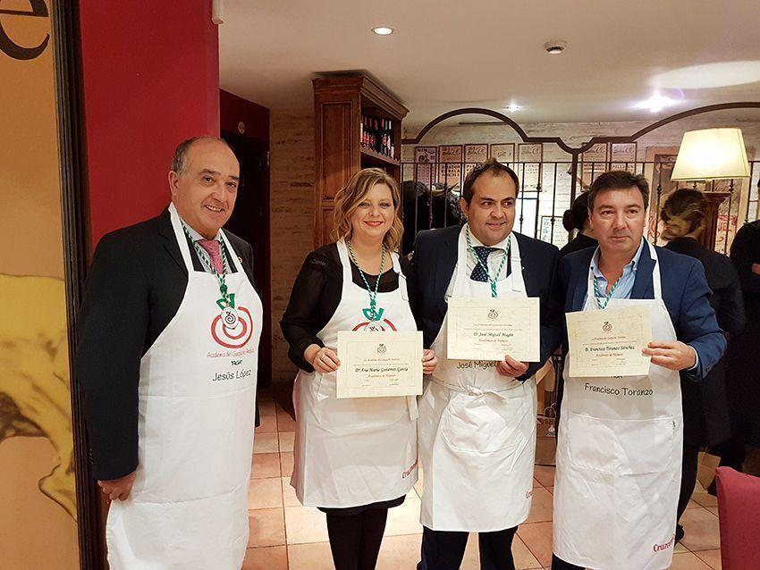 Academia Gazpacho Andaluz AGA www.cocinandoentreolivos.com