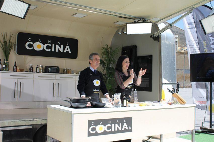 Canal cocina en lucena bolos lucentinos cocinando entre olivos - Cocinas en lucena ...