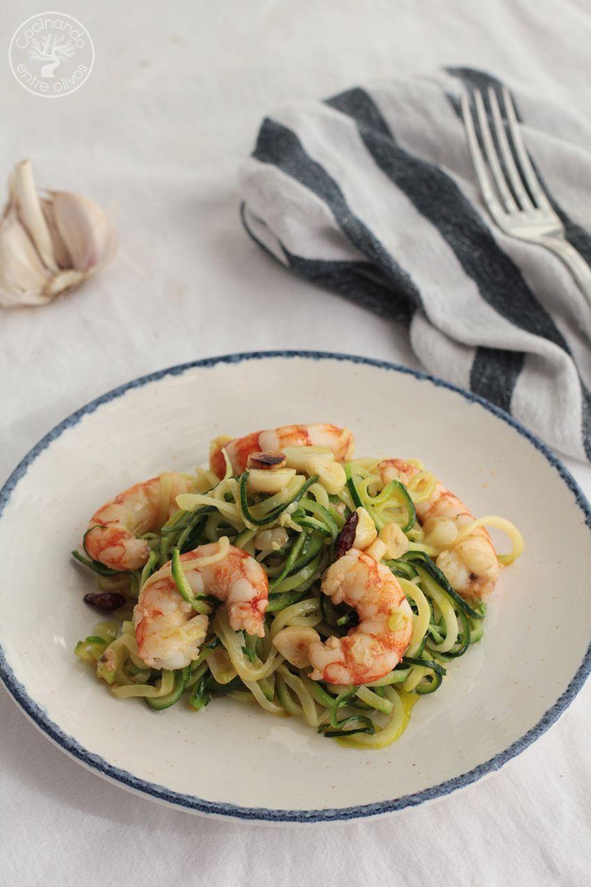 Espaguetis de calabacin con gambones al ajillo www.cocinandoentreolivos.com (9)