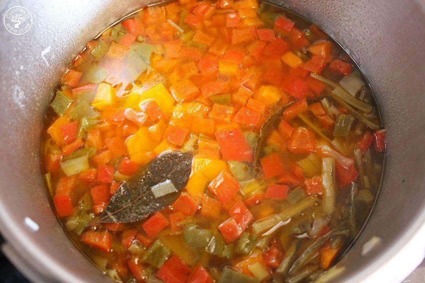 Garbanzos con tagarninas y chorizo www.cocinandoentreolivos.com (13)