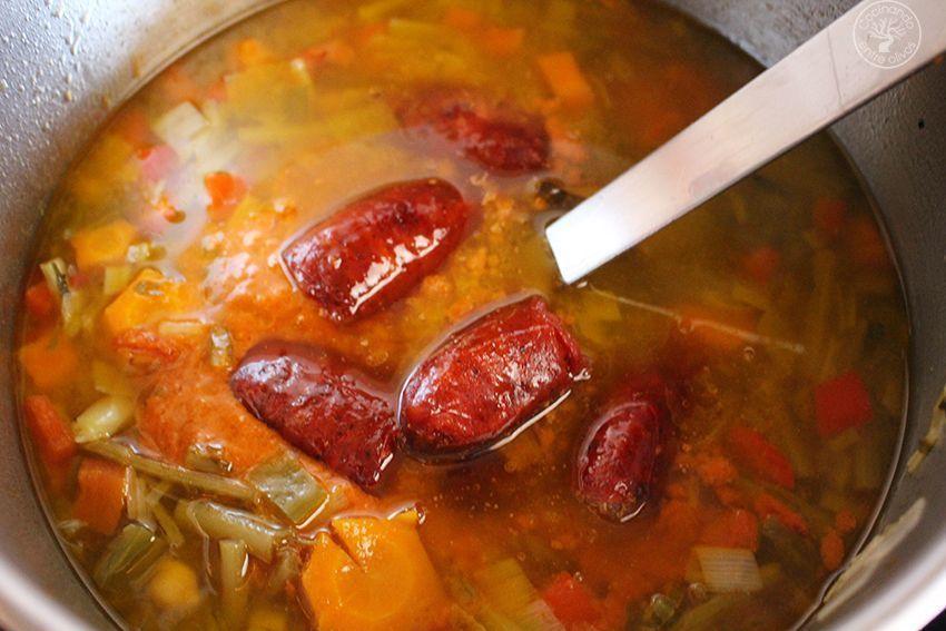 Garbanzos con tagarninas y chorizo www.cocinandoentreolivos.com (15)