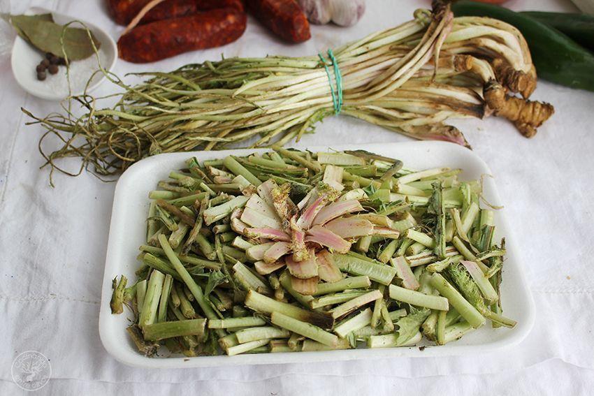 Garbanzos con tagarninas y chorizo www.cocinandoentreolivos.com (2)