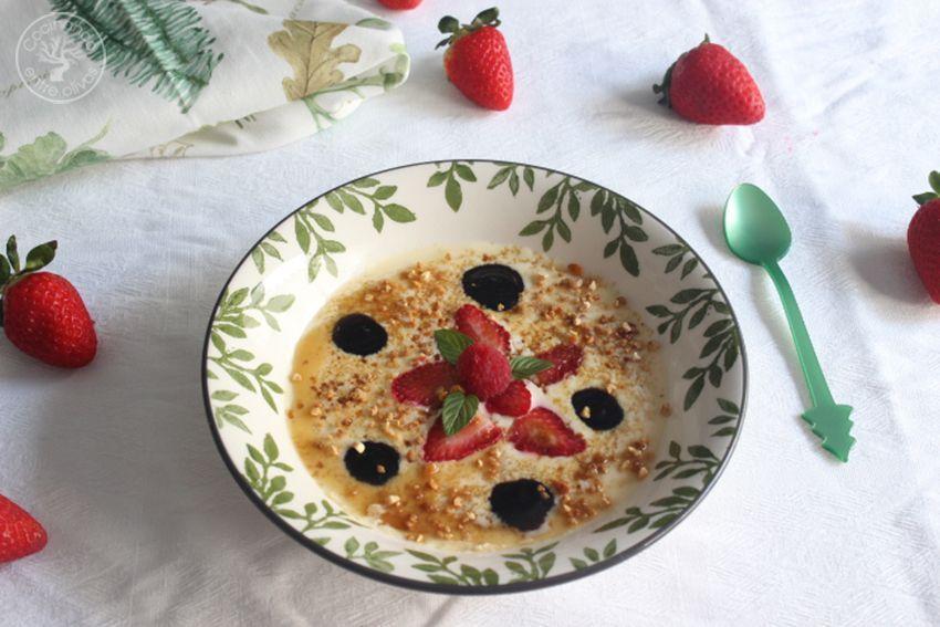 Crema bávara de chocolate blanco con mermelada de aceituna negra y frutos rojos (35)