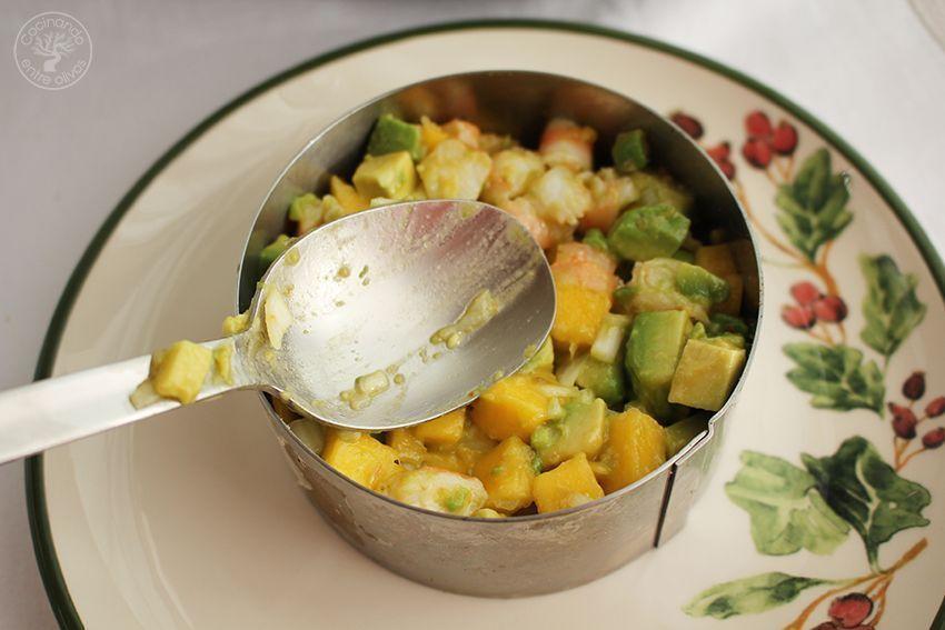 Tartar de aguacate, mango y langostinos (14)