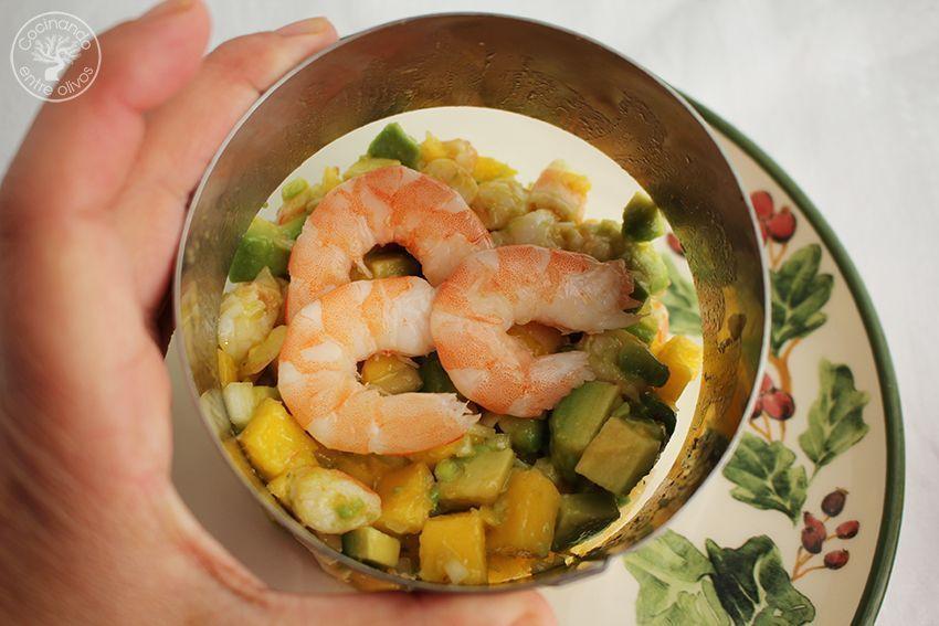 Tartar de aguacate, mango y langostinos (16)