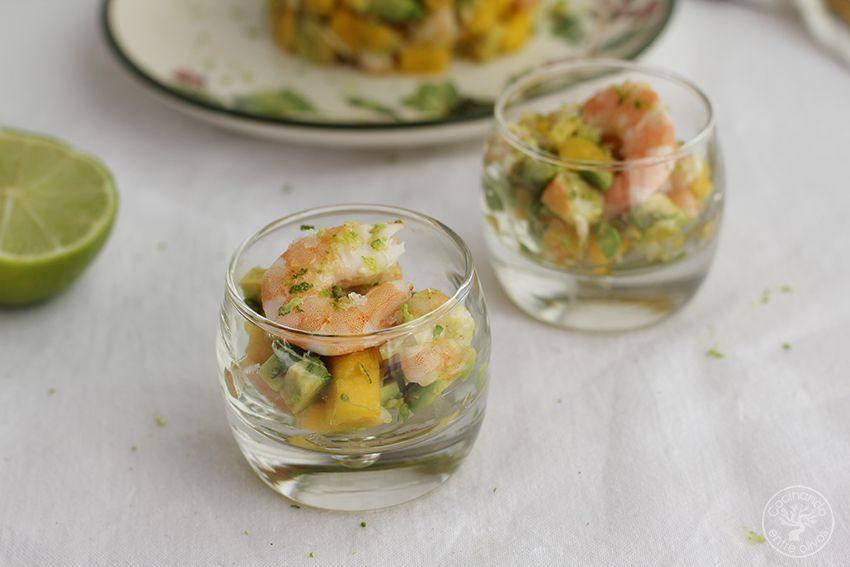 Tartar de aguacate mango y langostinos cocinando entre for Cocinar con mango