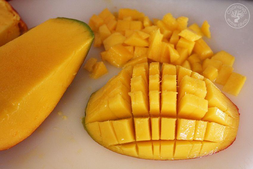 Tartar de aguacate, mango y langostinos (3)