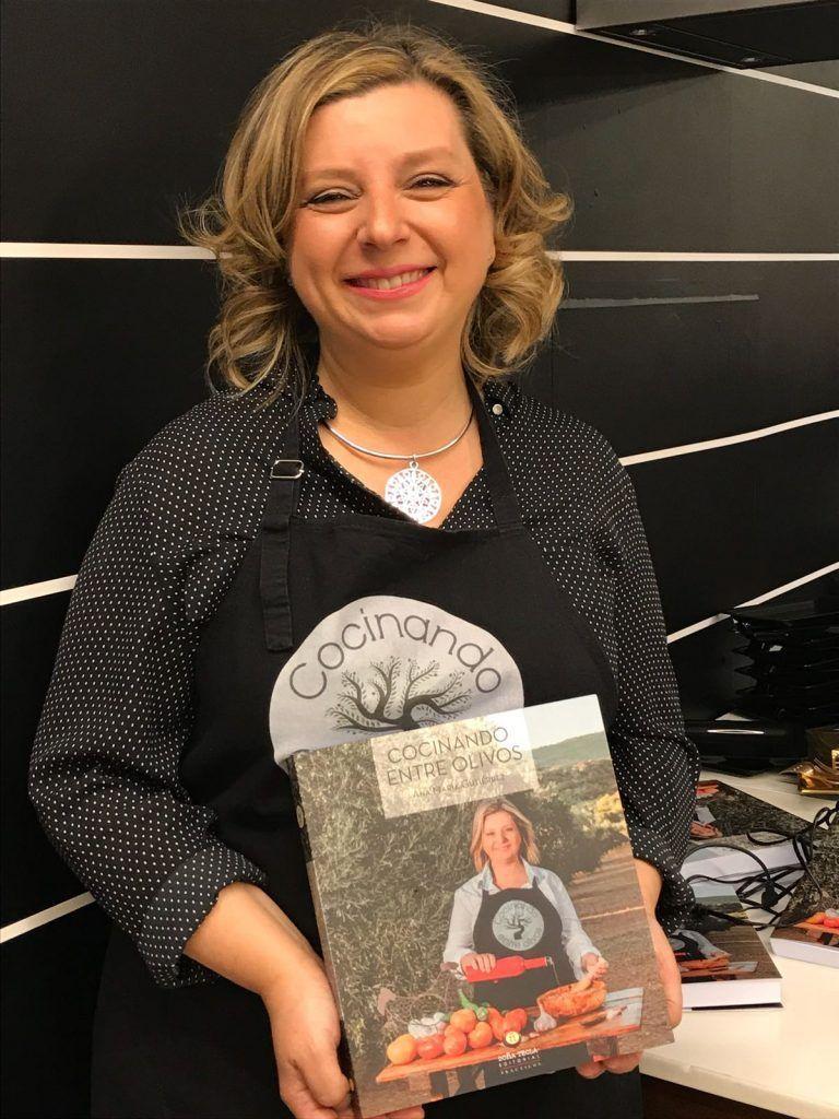 A la venta el libro de cocinando entre olivos cocinando for Cocinando entre olivos