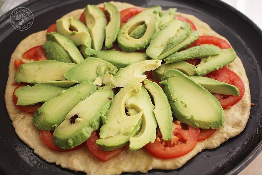 Pizza de aguacate www.cocinandoentreolivos.com (22)