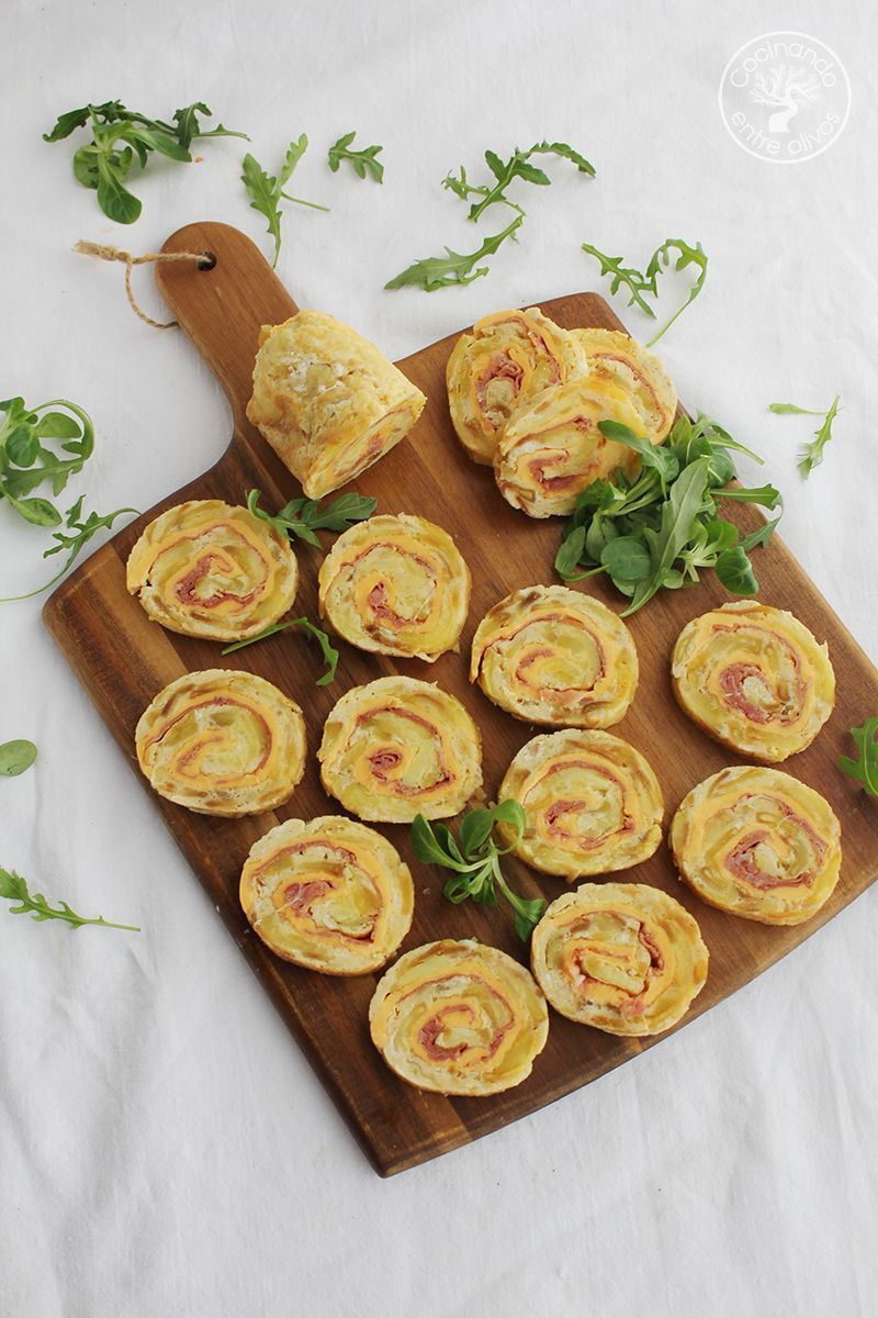 Rollo de tortilla de patatas con jamon serrano y queso (1)