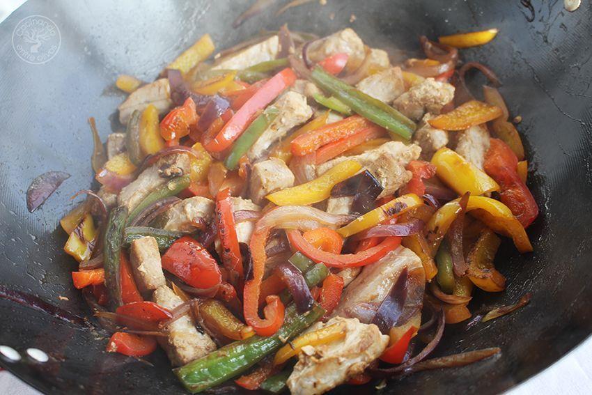 Wok de atun y pimientos www.cocinandoentreolivos.com (13)