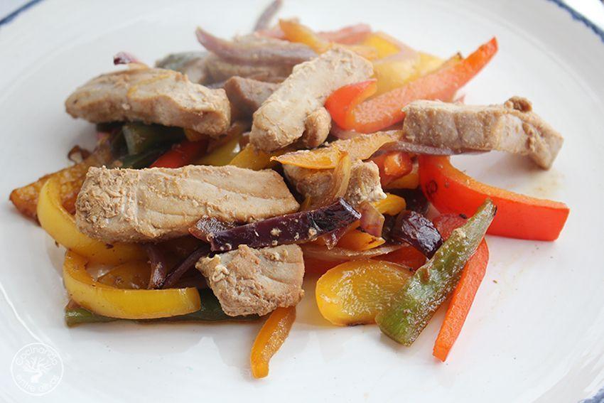 Wok de atun y pimientos www.cocinandoentreolivos.com (15)