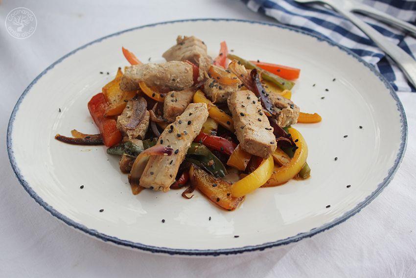 Wok de atun y pimientos www.cocinandoentreolivos.com (2)