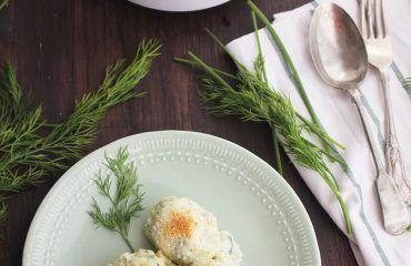Huevos rellenos de salmon Receta www.cocinandoentreolivos.com (25)