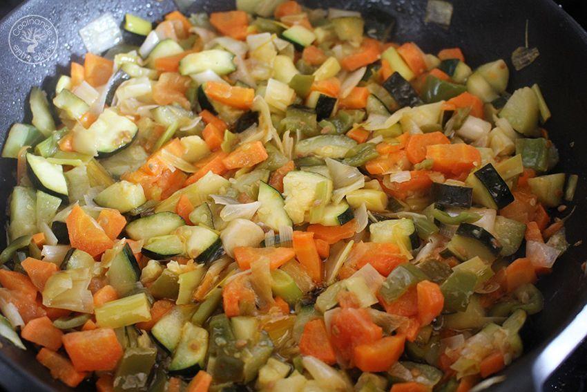 Pimientos del piquillo rellenos de verduras y salsa de queso (8)