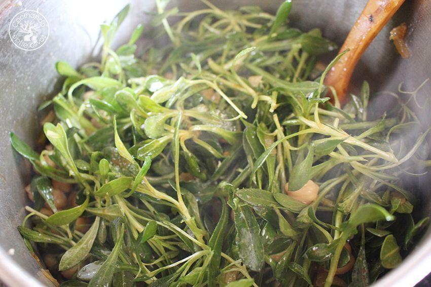 Potaje de garbanzos, collejas y panecillos de bacalao Receta (26)