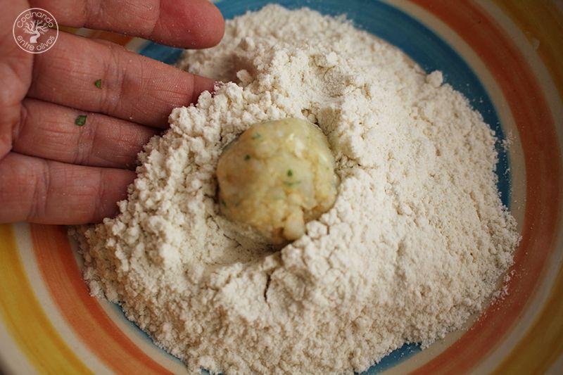 Albondigas de bacalao receta www.cocinandoentreolivos.com (13)