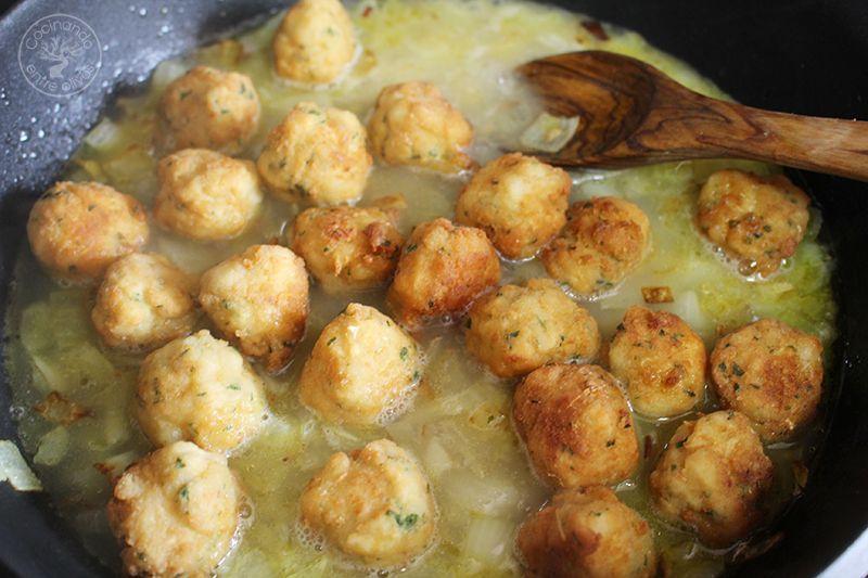 Albondigas de bacalao receta www.cocinandoentreolivos.com (25)
