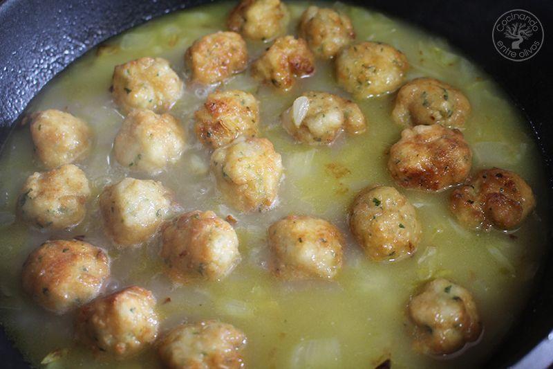 Albondigas de bacalao receta www.cocinandoentreolivos.com (27)